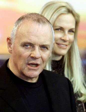 British actor Anthony Hopkins and Italian producer Martha De Laurentiis address a news conference to introduce the film 'Hannibal' screening at the 51st Berlin Film Festival February 11, 2001. Photo by Christian Charisius (Reuters)